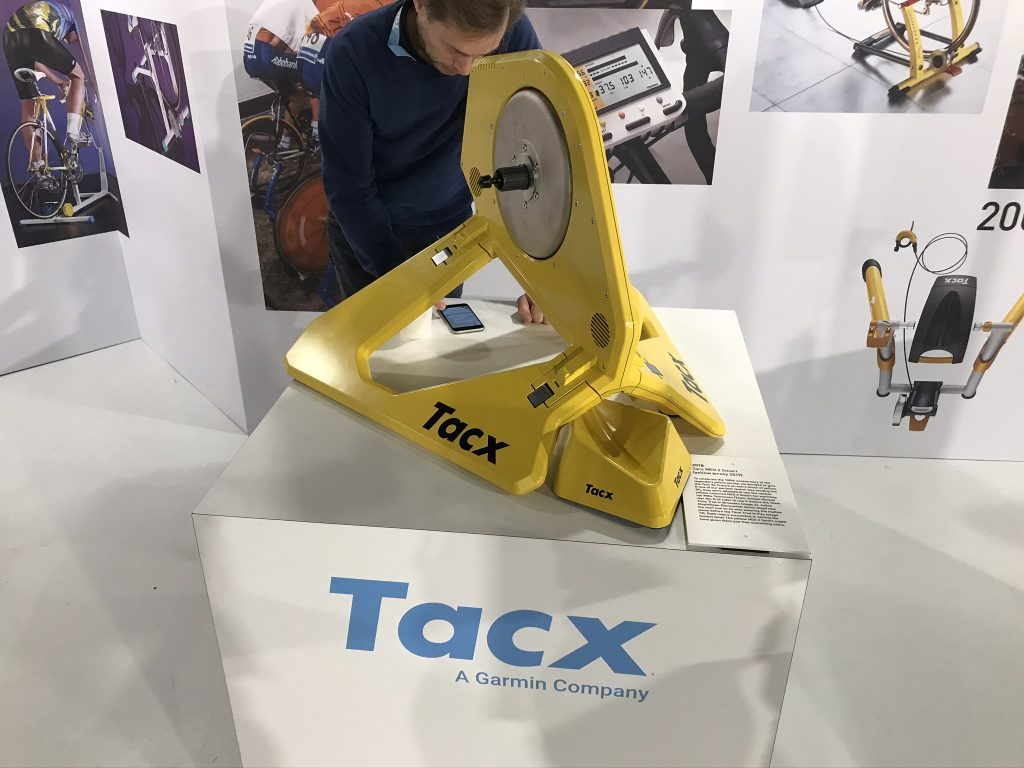 Tacx Neo 2 smart trainer yellow