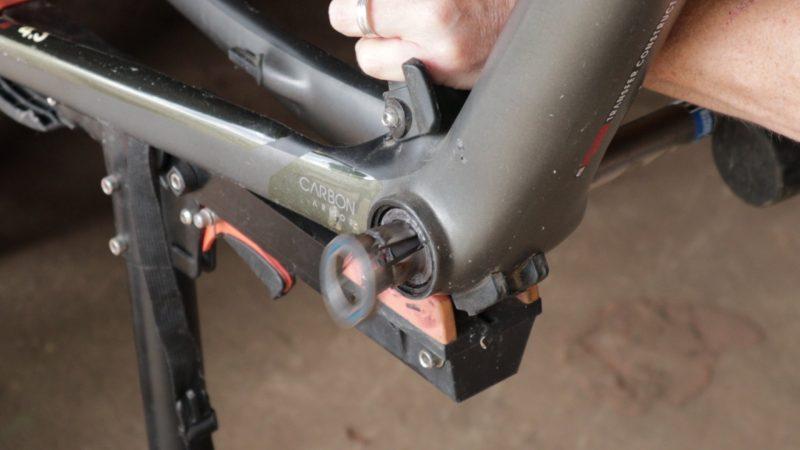 Removing BB90 bearing