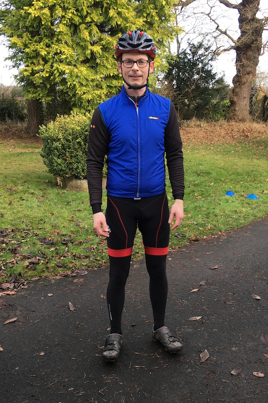 wearing leg warmers under cycling shorts